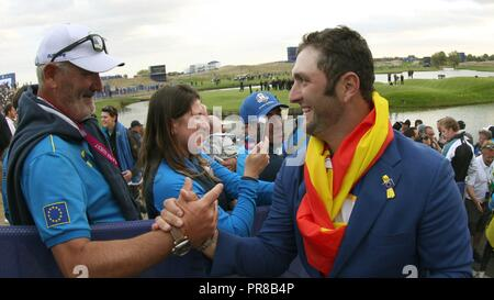 Guyancourt, France. 30th Sep, 2018. Europe Team Spanish player Jon Rahm (R) celebrates with his father following their win on the final day of the Ryder Cup 2018 at The Golf National in Guyancourt, near Paris, France, 30 September 2018. Credit: Luis Tejido/EFE/Alamy Live News - Stock Photo
