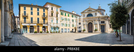 Historic center and pedestrian area in Varese, an important city in northern Italy. Basilica of San Vittore - Stock Photo