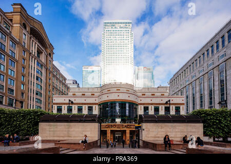 Europe, United Kingdom, England, London, Docklands, Canary Wharf, Cabot Place - Stock Photo
