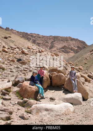 MOTHER AND TWO DAUGHTERS ON HOLIDAY IN TINGMOSGANG, LADAKH, JAMMU & KASHMIR, INDIA, ASIA - Stock Photo