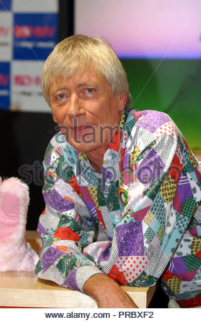 PA file photo dated 22/10/01 of Geoffrey Hayes who has died at the age of 76. - Stock Photo