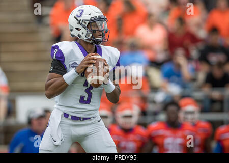 separation shoes 917bf fe3d7 Overtime. 29th Sep, 2018. Central Arkansas Bears head coach ...