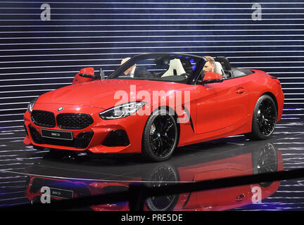 Paris, France. 02nd Oct, 2018. The new BMW Z4 will be presented at the Paris International Motor Show on the 1st press day. From 02.10. to 03.10.2018 the press days will take place at the Paris Motor Show. It will then be open to the public from 04.10. to 14. October. Credit: Uli Deck/dpa/Alamy Live News - Stock Photo