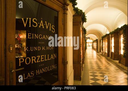Wien, Innenstadt, Weihnachtsschmuck - Vienna, Christmas Decoration in the Historic Center - Stock Photo