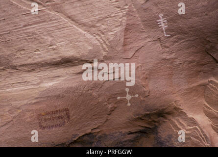 Petroglyphs at White House ruins: Anasazi cliff-dwelling, Canyon de Chelly, Arizona. Photograph - Stock Photo