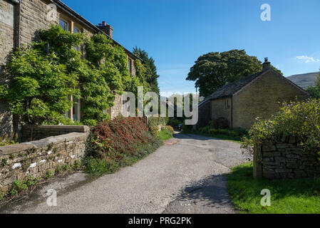 Stone cottages at Barber Booth near Edale in the Peak DIstrict national park, England. A sunny September day. - Stock Photo