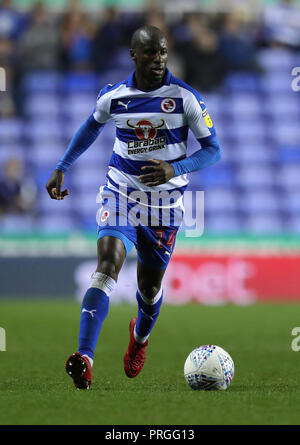 Reading's Sone Aluko during the Sky Bet Championship match between Reading and Queens Park Rangers. PRESS ASSOCIATION Photo. Picture date:  Tuesday October 2, 2018. See PA story SOCCER Reading. Photo credit should read: Andrew Matthews/PA Wire. RESTRICTIONS: EDITORIAL USE ONLY No use with unauthorised audio, video, data, fixture lists, club/league logos or 'live' services. Online in-match use limited to 120 images, no video emulation. No use in betting, games or single club/league/player publications - Stock Photo