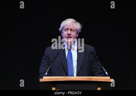 Birmingham, England. 2nd October, 2018.  Boris Johnson MP former foreign secretary, delivers his speech to a fringe meeting, organised by 'Conservative Home' on the afternoon session of the third day of the Conservative Party annual conference at the ICC.  Kevin Hayes/Alamy Live News - Stock Photo