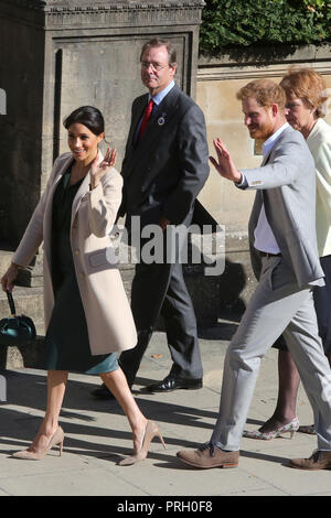 Chichester, West Sussex, UK. The Duke and Duchess of Sussex, Prince Harry and Meghan Markle pictured visiting Chichester, West Sussex.  Wednesday 3rd October 2018 Credit: Sam Stephenson/Alamy Live News - Stock Photo
