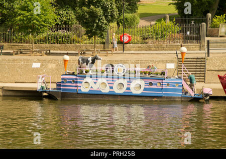 The Full Moo floating ice cream shop York - Stock Photo
