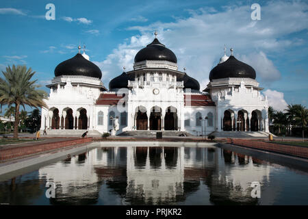 Baiturrahman Grand Mosque post December 26, 2004 earthquake and tsunami in Banda Aceh, Sumatra, Indonesia - Stock Photo