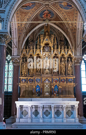High Altar,Votivkirche, Vienna, Erected in appreciation of the failed assassination on Franz Joseph 1853. Dedicated 1879. Situated on the Ringstrasse - Stock Photo