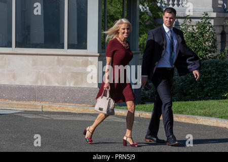 Washington, United States Of America. 03rd Oct, 2018. WASHINGTON, DC: Kellyanne Conway, Counselor to President Donald Trump walks to do a television interview at the White House on October 3, 2018. Credit: Tasos Katopodis/CNP | usage worldwide Credit: dpa/Alamy Live News - Stock Photo