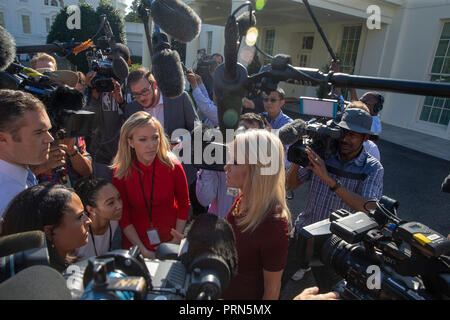 Washington, United States Of America. 03rd Oct, 2018. WASHINGTON, DC: Kellyanne Conway, Counselor to President Donald Trump talks to the media after a television interview at the White House on October 3, 2018. Credit: Tasos Katopodis/CNP | usage worldwide Credit: dpa/Alamy Live News - Stock Photo