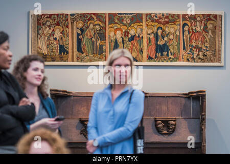 London, UK. 3rd Oct 2018. 15th Centuary Eichstatt tapestry in Sam Foggs - Frieze Masters London 2018, Regents Park, London. It covers several thousand years of art from 130 of the world's leading modern and historical galleries. The vetted artworks spanning antiquities, Asian art, ethnographic art, illuminated manuscripts, Medieval, modern and post-war, Old Masters and 19th-century, photography and sculpture.  The fair is open to the public 04-07 October. Credit: Guy Bell/Alamy Live News - Stock Photo