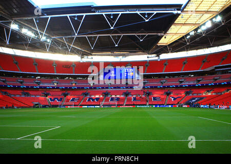 Wembley Stadium, London, UK. 3rd Oct 2018. a General view inside Wembley Stadium prior to kick off. UEFA Champions league match, group B, Tottenham Hotspur v Barcelona at Wembley Stadium in London on Wednesday 3rd October 2018.  this image may only be used for Editorial purposes. Editorial use only, license required for commercial use. No use in betting, games or a single club/league/player publications . pic by Steffan Bowen/Andrew Orchard sports photography/Alamy Live news - Stock Photo