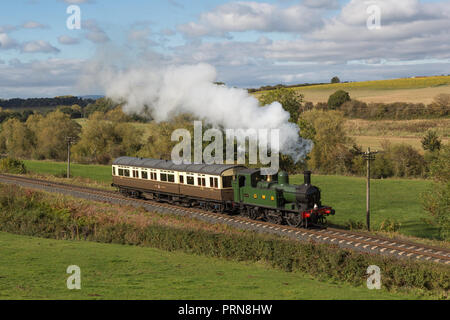 Worcestershire, United Kingdom. 3rd October 2018. In a scene reminiscent of the early 20th century branch line, Great Western Railway tank engine 1450 and an autocoach are seen at various locations on the popular preserved line. Credit: Andrew Plummer/Alamy Live News - Stock Photo