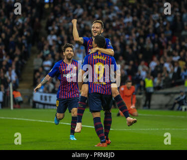 London, UK. 3rd October 2018, Wembley Stadium, London, England; UEFA Champions League, Tottenham v Barcelona ; Ivan Rakitic (04) of Barcelona celebrates his goal to make it 0-2 with Luis Suarez (09) of Barcelona    Credit: Mark Cosgrove/News Images - Stock Photo
