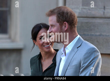 Chichester, Sussex , UK. 3rd October, 2018. Meghan Markle, Duchess of Sussex, and Prince Harry, Duke of Sussex, visit Chichester in Sussex, on their first joint visit to the County that inspired their royal titles. Prince Harry, Duke of Sussex, and Meghan Markle, Duchess of Sussex, visit Chichester, Sussex , on October 3, 2018. Credit: Paul Marriott/Alamy Live News - Stock Photo