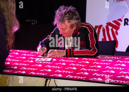 London, UK. 3rd October, 2018. Sir Rod Stewart celebrates the release of Blood Red Shoes at an exclusive HMV 363 Oxford Street signing event on 3rd October 2018 Credit: Tom Rose/Alamy Live News - Stock Photo