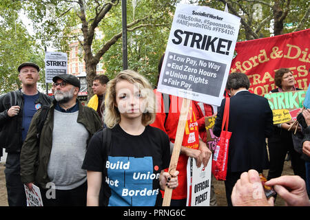London, UK. 4th Oct 2018. Hundreds workers united from American, Brazil Thailand and UK Rally for McDonald's, TGI Fridays & Wetherspoons Strikers. Protestors demand £10 an hour at Leicester Square, London, UK. 4th October 2018. Credit: Picture Capital/Alamy Live News - Stock Photo