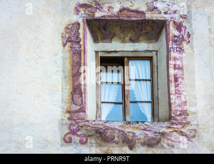Glorenza (Glums) in South Tyrol/Trentino Alto Adige, Italy. characteristic window of the small historical town - Stock Photo