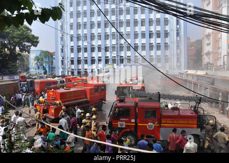 Kolkata, India. 03rd Oct, 2018. Firefighters douse the fire which broke out at the pharmacy department of Calcutta Medical College and Hospital. A fire broke out at the Calcutta Medical College and Hospital pharmacy department, more than 250 patients were evacuated and no casualty has been reported. Credit: Saikat Paul/Pacific Press/Alamy Live News - Stock Photo