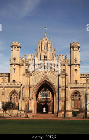 entrance gate to New Court, St. John's College, Cambridge, known as the Eagle Gateway - Stock Photo