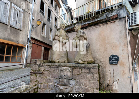 France- TULLE- Corrèze - Prefecture 2017 - Place Jean Tavé  - Le coin des Clampesv Road side statue in France. - Stock Photo