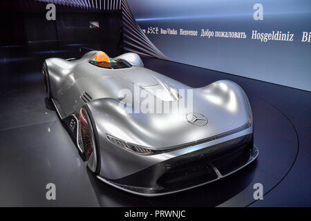 Paris. 2nd Oct, 2018. Photo taken on Oct. 2, 2018 shows a Benz's concept car, EQ Silver Arrow, during the Paris Motor Show in Paris, France. Credit: Chen Yichen/Xinhua/Alamy Live News - Stock Photo