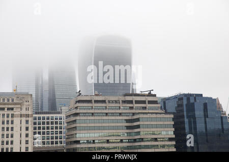 London,UK,4th October 2018,Foggy skyline in Central London ©Keith Larby/Alamy Live News - Stock Photo