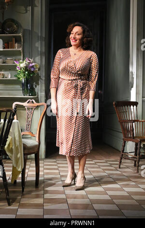 London, UK. 4th Oct 2018. Lucy Cohu, The Height of The Storm - Photocall, Wyndham's Theatre, London, UK, 04 October 2018, Photo by Richard Goldschmidt Credit: Rich Gold/Alamy Live News - Stock Photo