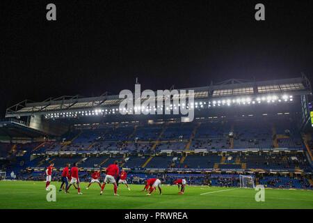 Stamford Bridge, London, UK. 4th Oct, 2018. UEFA Europa League football, Chelsea versus Videoton; MOL Vidi warm up Credit: Action Plus Sports/Alamy Live News - Stock Photo
