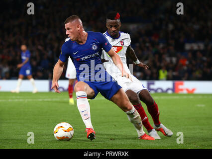 London, UK. 4th October, 2018.  Chelsea's Ross Barkley during UAFA Europa League Group L between Chelsea and MOL Vidia at Stamford Bridge stadium , London, England on 04 Oct 2018. Credit: Action Foto Sport/Alamy Live News - Stock Photo