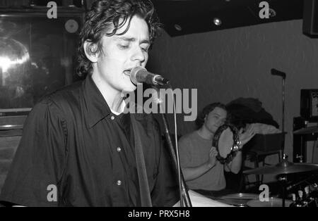 Galaxie 500 performing at Winkles nightclub, Bedford, UK, 12th December 1989. - Stock Photo