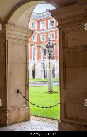 September 2017 - view of Baroque Fountain court in Hampton Court (founded 1515), in London, UK; it was owned by many British kings and today is a majo - Stock Photo