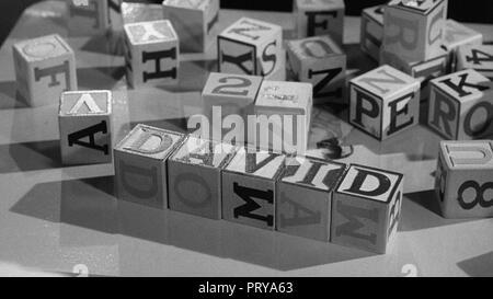 Prod DB © Metro-Goldwyn-Mayer British Studios / DR LE VILLAGE DES DAMNES VILLAGE OF THE DAMNED de Wolf Rilla 1960 GB fantastique; fantastic; science f - Stock Photo