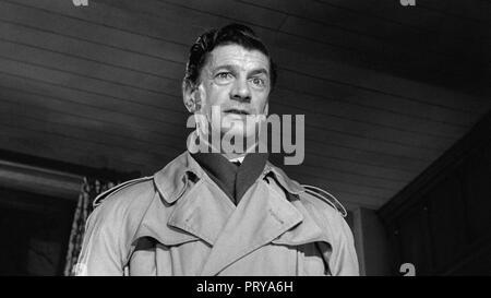 Prod DB © Metro-Goldwyn-Mayer British Studios / DR LE VILLAGE DES DAMNES VILLAGE OF THE DAMNED de Wolf Rilla 1960 GB Michael Gwynn. fantastique; fanta - Stock Photo