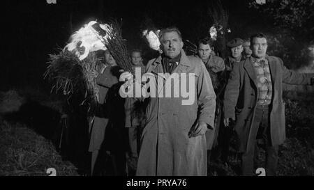 Prod DB © Metro-Goldwyn-Mayer British Studios / DR LE VILLAGE DES DAMNES VILLAGE OF THE DAMNED de Wolf Rilla 1960 GB Richard Warner. fantastique; fant - Stock Photo
