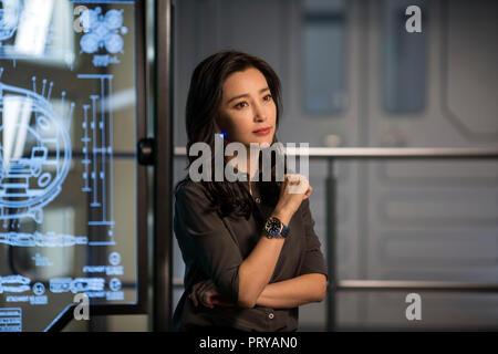 Prod DB © Kirsty Griffin - Warner Bros. - Apelles Entertainment - Flagship Entertainment Group - Gravity Pictures - Maeday Productions / DR EN EAUX TR - Stock Photo