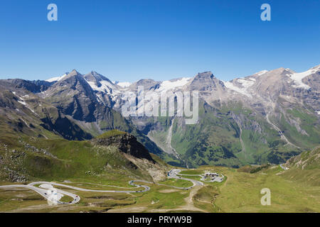 Austria, Grossglockner High Alpine Road, view from Edelweissspitze to Grosses Wiesbachhorn and Grossglockner - Stock Photo