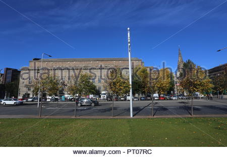 Caird Hall and Slessor Gardens in autumn Dundee Scotland  October 2018 - Stock Photo