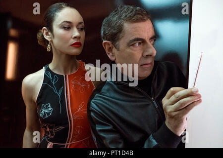 Prod DB © Giles Keyte - Universal Pictures - Perfect World Pictures - Studio Canal - Working Title Films / DR JOHNNY ENGLISH CONTRE-ATTAQUE JOHNNY ENG - Stock Photo
