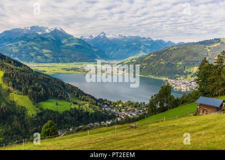 Austria, Salzburg State, Zell am See, Zell lake, Kitzsteinhorn in the background - Stock Photo
