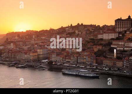 View over the Douro river to the Ribeira district, UNESCO World Heritage Site, Porto, Norte region, Portugal - Stock Photo