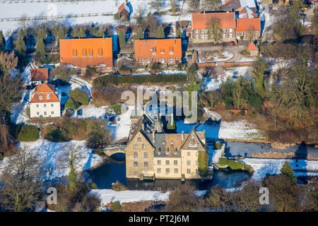 Castle Höllinghofen in winter, Arnsberg, Neheim-Hüsten, Sauerland, North Rhine-Westphalia, Germany - Stock Photo