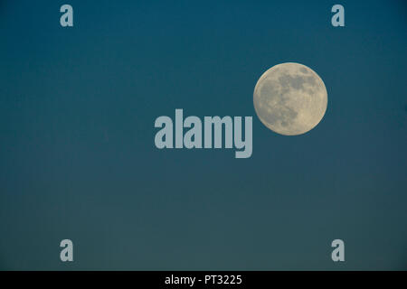Full moon in winter sky, close-up - Stock Photo