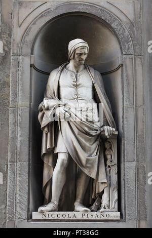 Italian Early Renaissance sculptor Nicola Pisano. Marble statue by Italian sculptor Pio Fedi on the facade of the Uffizi Gallery (Galleria degli Uffizi) in Florence, Tuscany, Italy. - Stock Photo