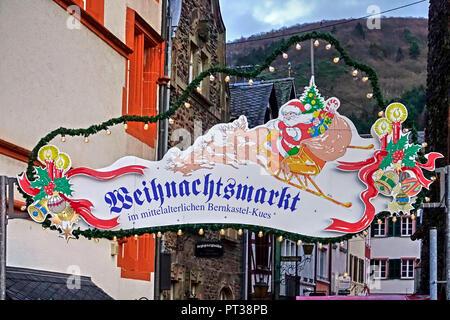 Entrance to the Christmas market, Bernkastel-Kues, Moselle Valley, Rhineland-Palatinate, Germany - Stock Photo