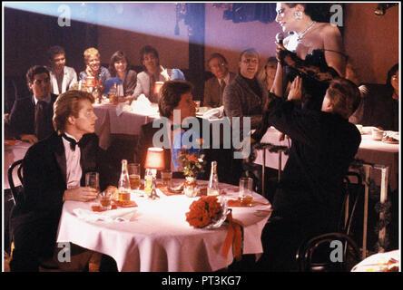 Prod DB © New Line Cinema - Howard Gottfried/Ronald K. Fierstein Production / DR TORCH SONG TRILOGY de Paul Bogart 1988 USA avec Matthew Broderick et - Stock Photo